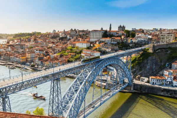 Já é possível pagar com contactless nos transportes do Porto - REDUNIQ